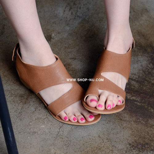 CUTOUT BROWN LEATHER SMALL WEDGE.2