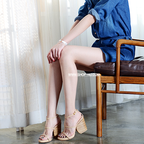 NUDE LEATHER STRAPPY CHUNKY HEEL SANDALS 9/1.2