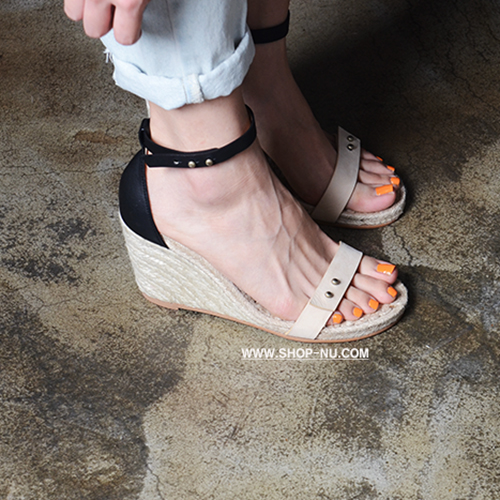 NUDE N BLACK LEATHER STRAP ESPADRILLE WEDGE 8.3/1