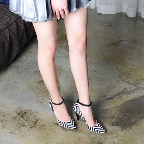 HERRINGBONE KNITE PUMPS 9